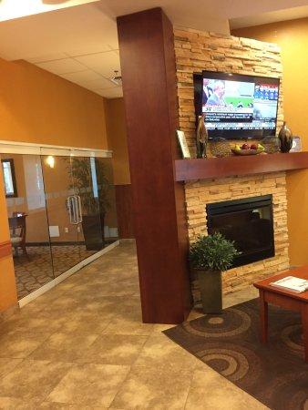 Holiday Inn Express Hotel & Suites Clarington - Bowmanville: photo1.jpg
