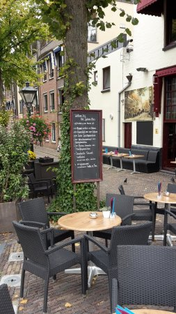 Gulden Vlies: more outside seating