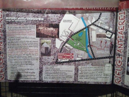 Perosa Argentina, Italie : Cartelloni informativi