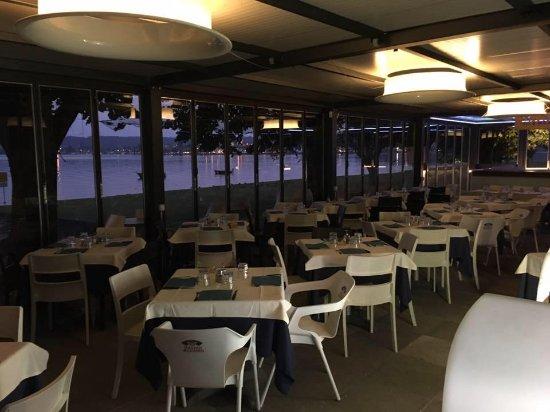 Veranda sul lago chiusa e riscaldata per l\'inverno - Picture of ...
