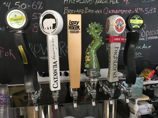 Rosman, Carolina do Norte: Great taps and live music this afternoon