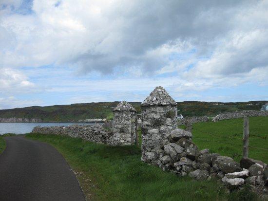 Rathlin Island, UK: charakteristische Geländegrensmauern auf Rathlin