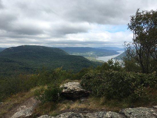 Bear Mountain, نيويورك: View from Bald Mountain
