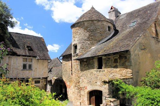 Turenne, Fransa: Dans le village