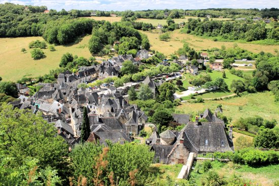 Turenne, Fransa: Vue du village depuis le château