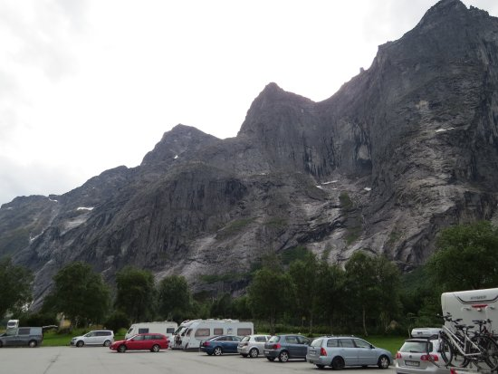 Andalsnes, Noruega: Стена Троллей