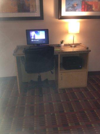 La Quinta Inn & Suites Fairfield: In Lobby
