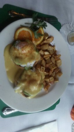 Lily's: My breakfast was delicious! Excellent service. Beautiful place