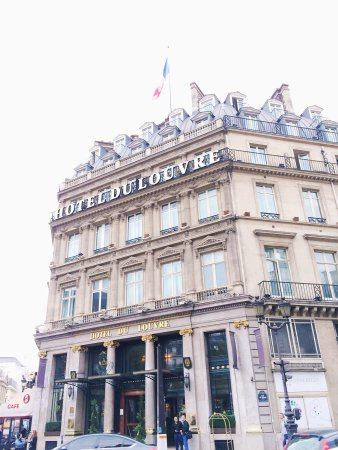 Hotel du Louvre: Corner suite stay and room views