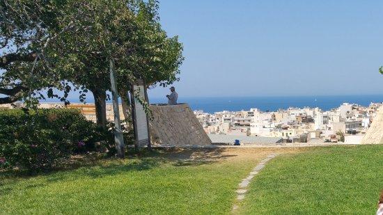 Venetian Walls and Tomb of Nikos Kazantzakis照片
