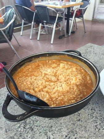 Paella l 39 aile de raie et chili photo de la farigola - Cuisiner l aile de raie ...