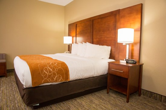 Comfort Suites Hotel   Lansing: Presidential Suite