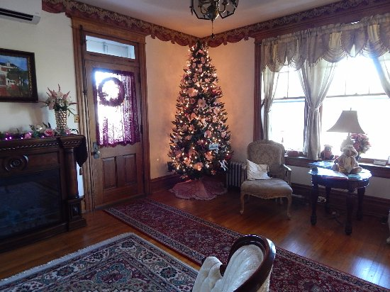 Keystone Inn Bed and Breakfast: The Parlor