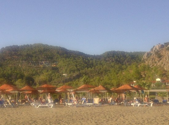 TUI BLUE Sarigerme Park: ...view from the other side (notice the quaint village in the hill)