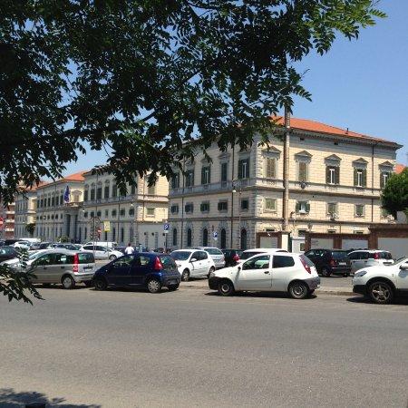 """Pizza Forum : Roma - Il piazzale/parcheggio dell'ospedale militare del """"Celio"""", a poca distanza da """"PizzaForum"""