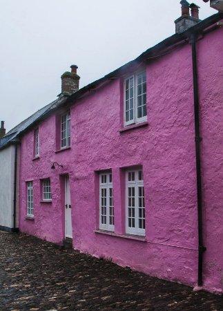 Pink House, Boscastle