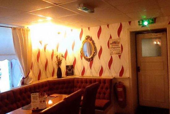 Tonypandy, UK: restaurant  3
