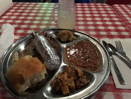 Branson, MO: dinner at the roundup