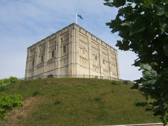 City Sightseeing Hop-on, Hop-off Tour of Norwich: Norwich Castle