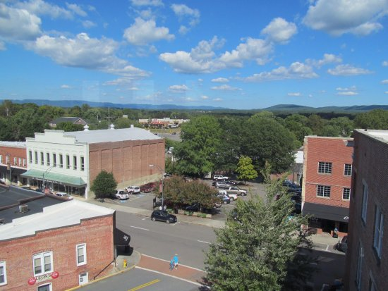 Mount Airy, NC: museum view