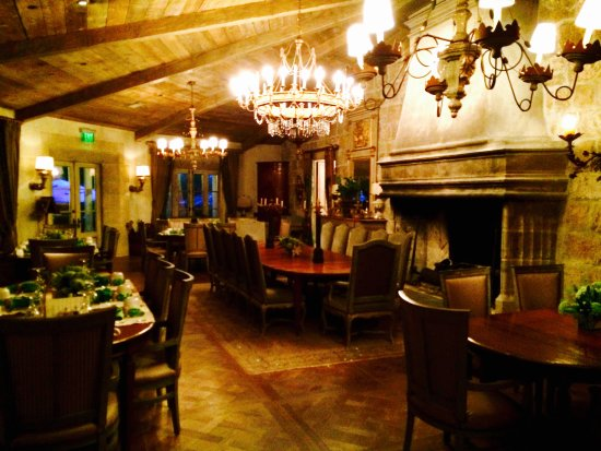 Cal-A-Vie Spa and Resort: MAIN DINING ROOM