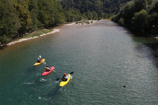 Mojkovac, Montenegro: Beginning of our kayaking trip: the guide with the two of us