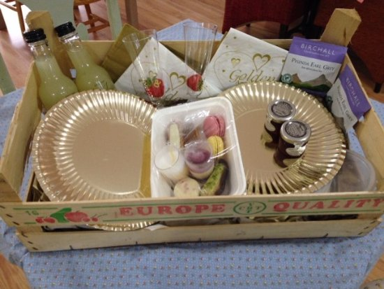 Aylesford, UK: coming together a takeaway afternoon tea