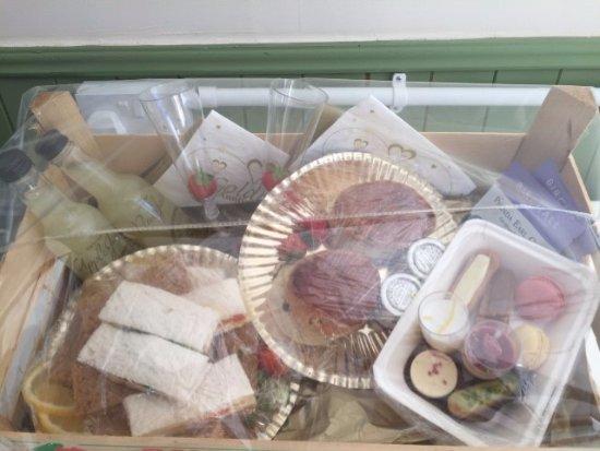 Aylesford, UK: golden wedding anniversary takeaway tea