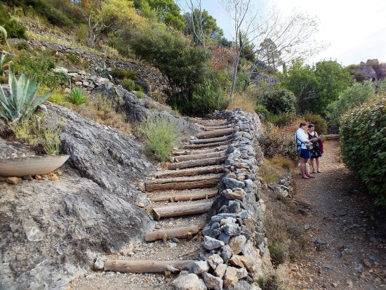 Roquebrun, Γαλλία: une autre vue d'escaliers