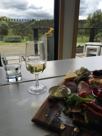 Waratah hills vineyard fish creek restaurant avis for Fish creek restaurants