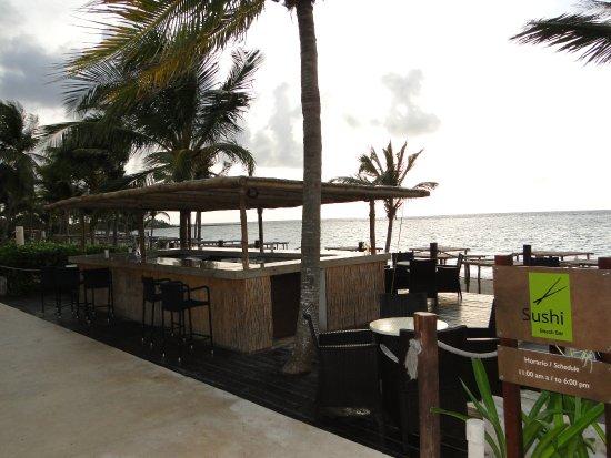 bar a sushi sur la plage