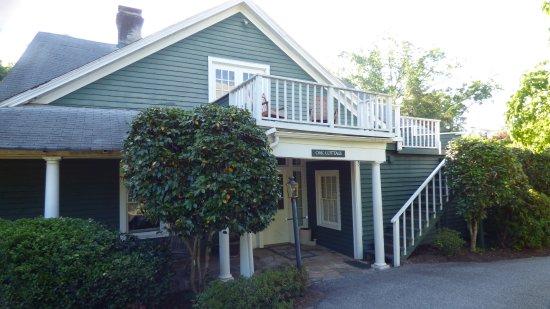 1906 Pine Crest Inn: Oak Cottage