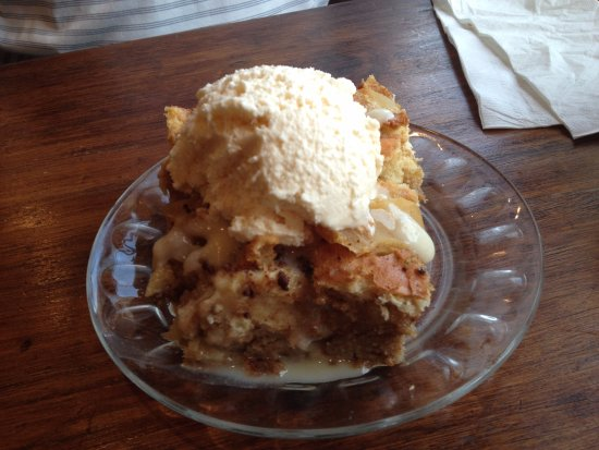 Paola, KS: Bread Pudding with rum sauce ala mode