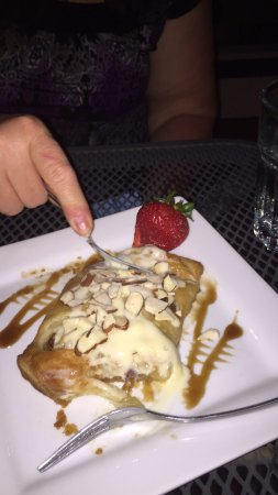 Winnsboro, TX: Wonderful appetizers and desserts. You'll love the Apple strudel