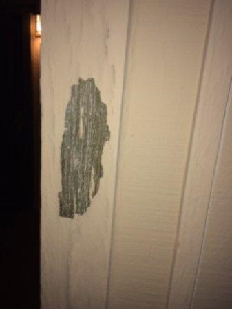 Fallbrook, CA: peeling paint