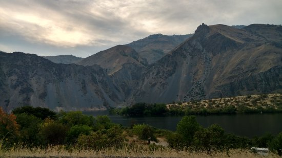 Oxbow, Oregón: Looking at Snake river from parking area
