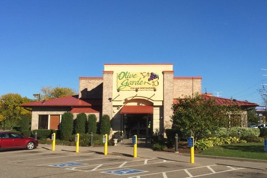 we did a sample of wine before that that is always good picture of olive garden 1245