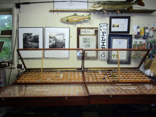 Califon, Нью-Джерси: Shannon's Fly & Tackle Shop