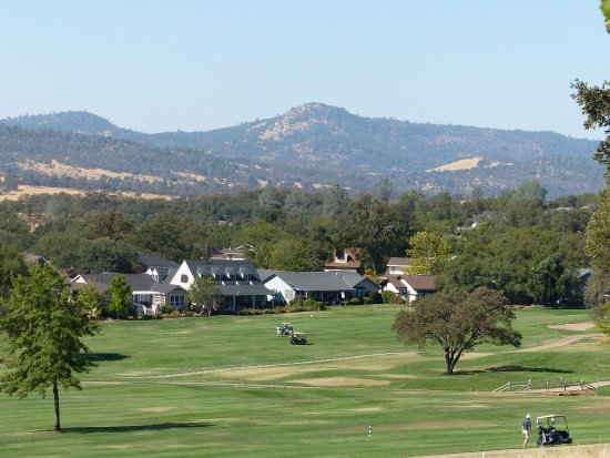 ‪‪Angels Camp‬, كاليفورنيا: View of adjoining golf course from Wyndham's grounds.‬