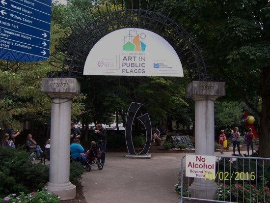 Market Square: Art in the park walk.