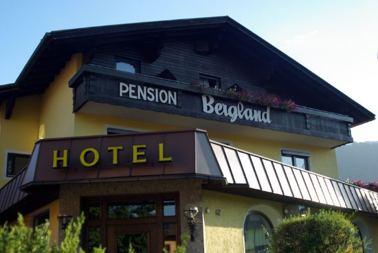Axams, Austria: Front of the hotel