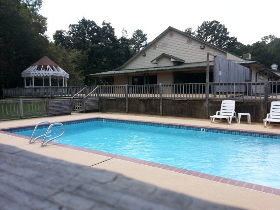 Nacogdoches, TX: Pool and banquet hall in rear