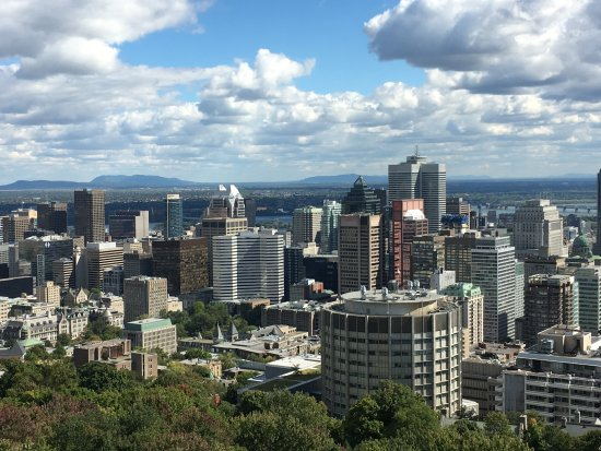 how to get to mont royal montreal