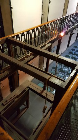 Old Jail Museum: Gallows in the main hall