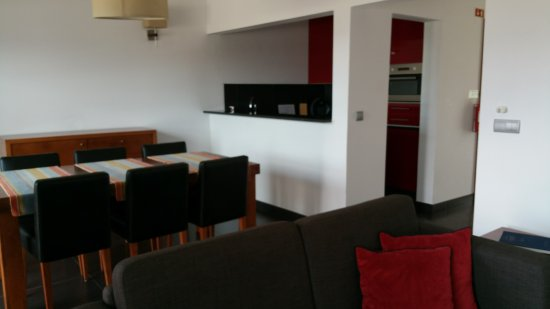 Jeiroes: Clean well equipped apartment