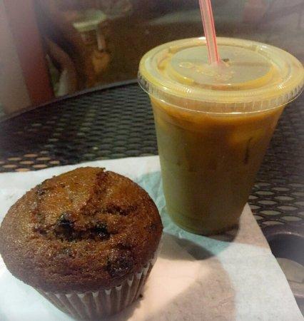 Highland Coffees: Cinnamon swirl cold drip and Raisin Bran muffin.