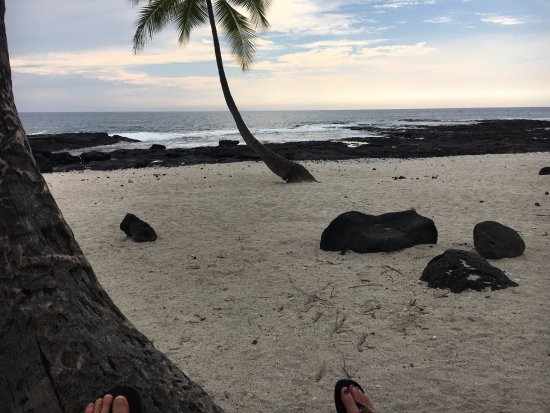 Pu'uhonua O Honaunau National Historical Park: picnic beach near 1871 trailhead