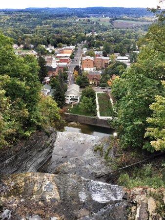 Montour Falls, État de New York : She-Qua-Ga Falls