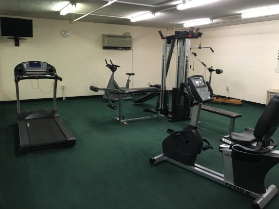 West Hazleton, PA: Large fitness room