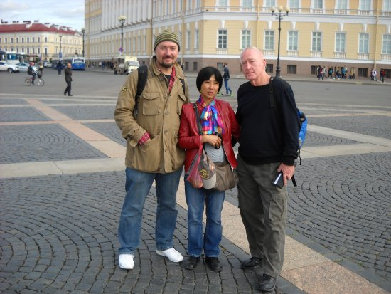 Anglo Tourismo Boat and Walking Tours: Excellent and personable tour guide Mike at Palace Square
